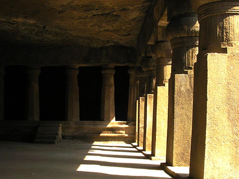 Interno della grotta principale, elephanta