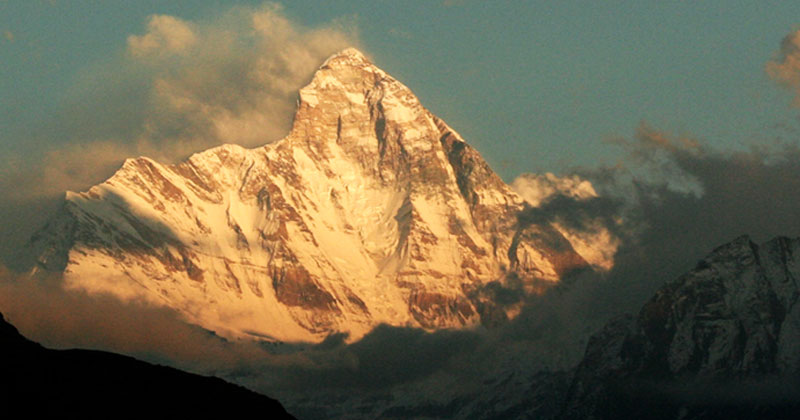 peak of Nanda devi Mont